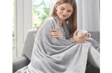 Plush Fleece Blanket Just $8.99 (Reg. $15)!