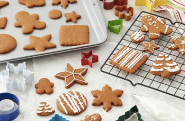 Wilton Brands Holiday 12-pc. 11″ X 17″ Cookie Sheet Just $16.49 (Reg. $30)!